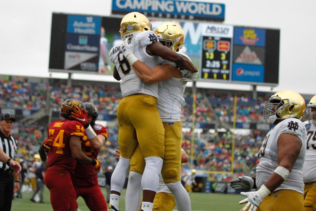 15 Irish Dominate Cyclones In 33 9 Camping World Bowl Victory